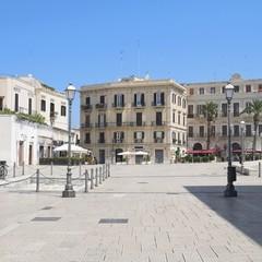 Piazza del Ferrarese a Bari vecchia