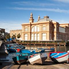 Teatro Margherita sul lungomare di Bari