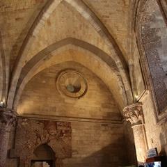 Particolare di una sala del piano terra a Castel del Monte