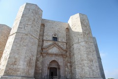 A Pasqua e Pasquetta visite guidate a Castel del Monte e in altri castelli di Puglia
