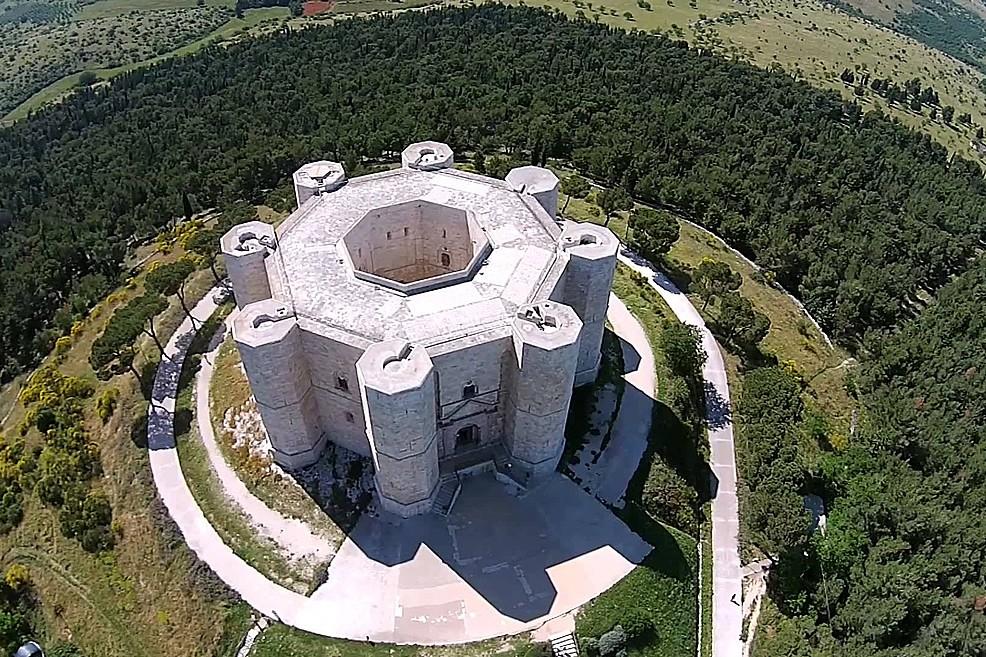 Foto aerea di Castel del Monte