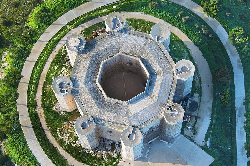 Foto aerea di Castel del Monte (Foto Kingleo)