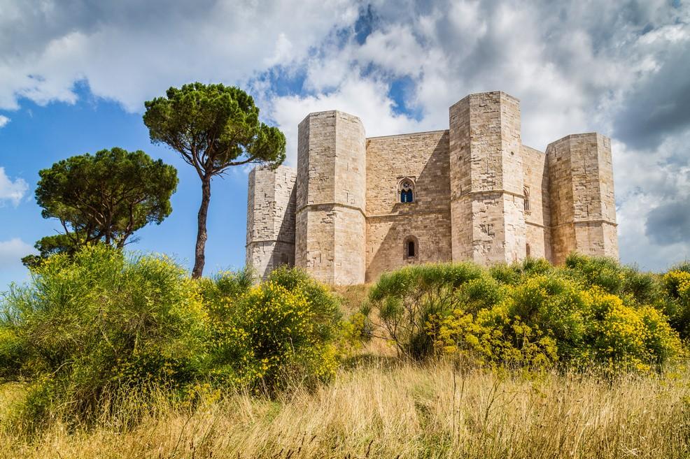 Castel del Monte, nel cuore della Murgia