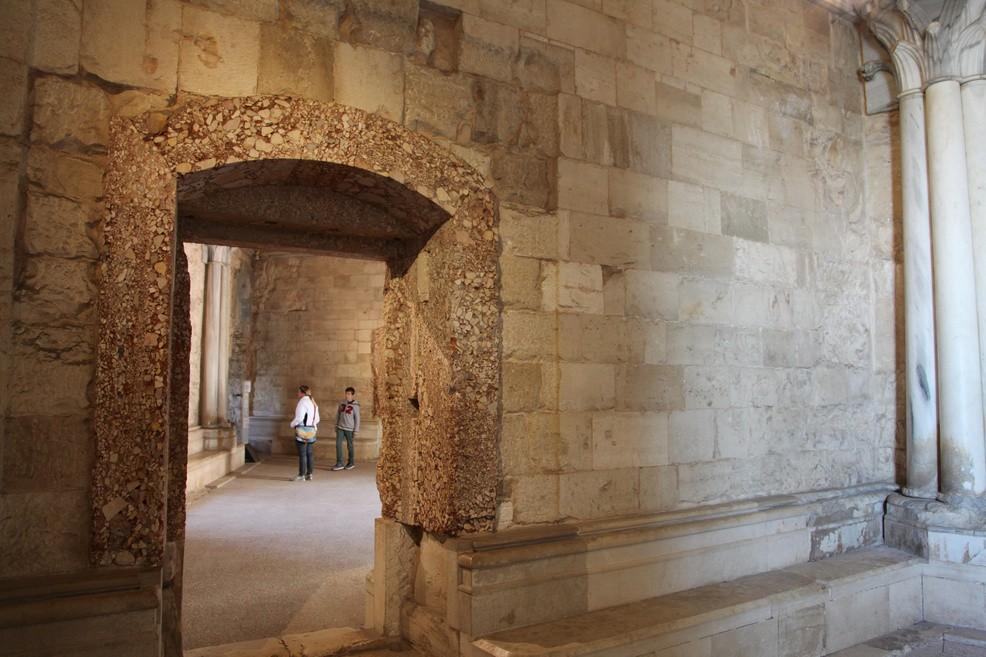 Castel del Monte, partcicolare delle sale