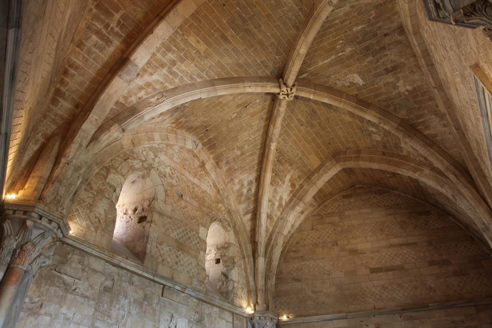 Castel del Monte: dettaglio delle sale