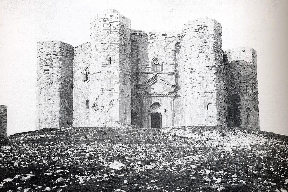 Foto storica di Castel del Monte