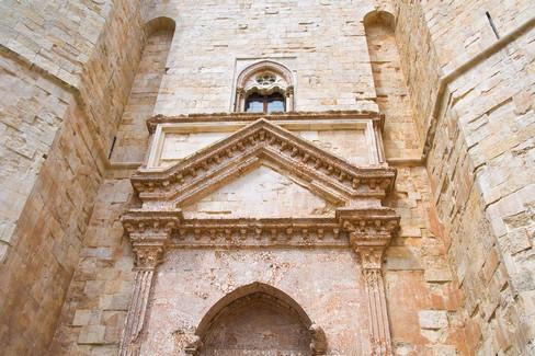 Portone di accesso a Castel del Monte