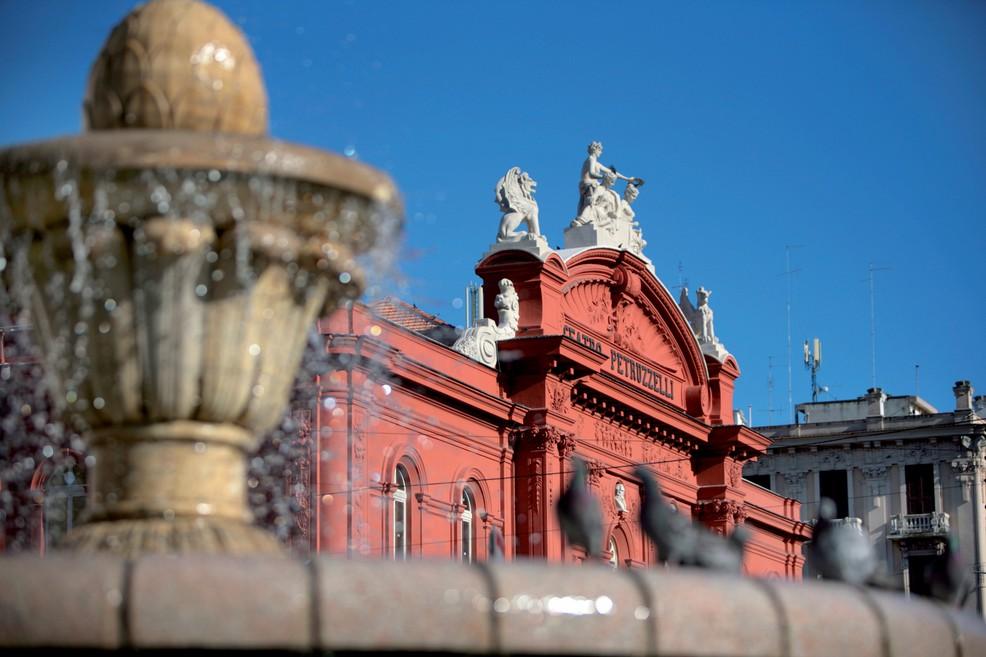 Teatro Petruzzelli a Bari (Foto Carlos Solito)